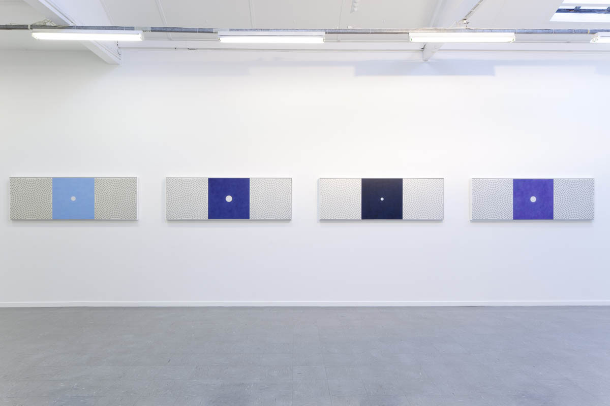 Looking Through an Ocean of Air#2-#4, Installation view
